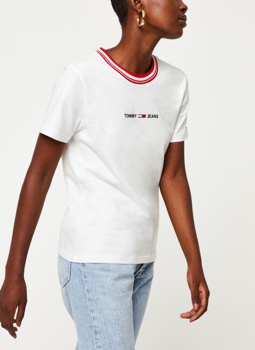 Tøj Tommy Jeans TWJ Contrast Rib Logo Tee Hvid detaljeret billede af skoene