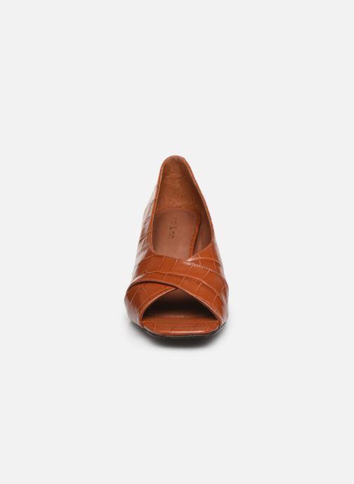 Escarpins Nat & Nin PERNY Marron vue portées chaussures