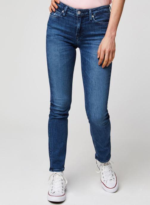 Vêtements Calvin Klein Jeans CKJ 021 Mid Rise Slim Bleu vue détail/paire