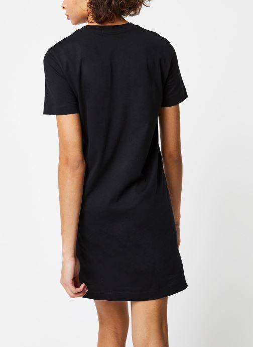 Vêtements Calvin Klein Jeans Institutional T-Shirt Dress Noir vue portées chaussures