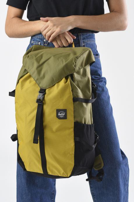 Rucksäcke Herschel BARLOW LARGE grün ansicht von unten / tasche getragen