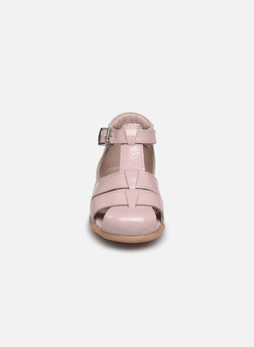 Sandali e scarpe aperte Little Mary Lilas Rosa modello indossato
