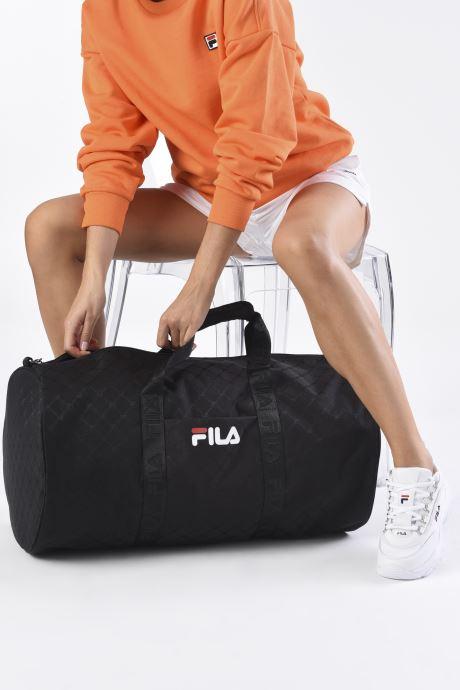 Reisegepäck FILA New Travel Bag schwarz ansicht von unten / tasche getragen