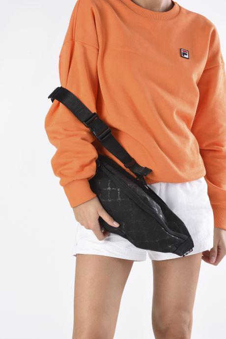 Handtaschen FILA Waist Bag Henrik schwarz ansicht von unten / tasche getragen