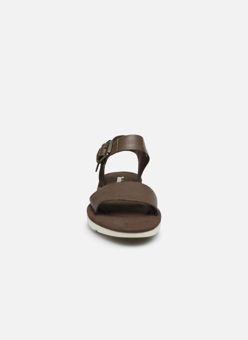 Sandali e scarpe aperte Timberland Lottie Lou 1-Band Sandal Marrone modello indossato