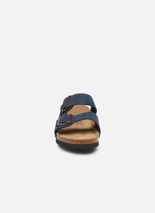 Zuecos Birkenstock Arizona Sfb Cuir W Azul vista del modelo