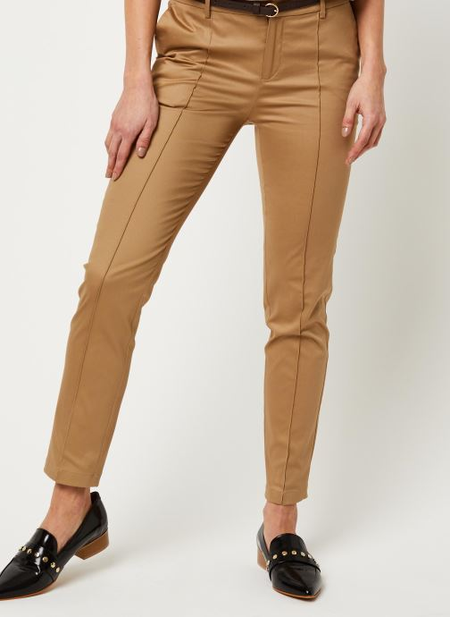 Regular fit mercerized chino with stitched pleat