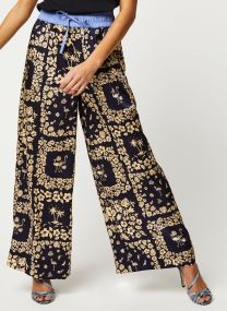 Wide leg pants with contrast waistband
