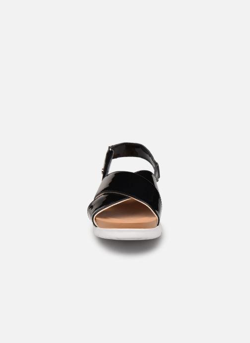 Sandalen UGG K KLARA schwarz schuhe getragen