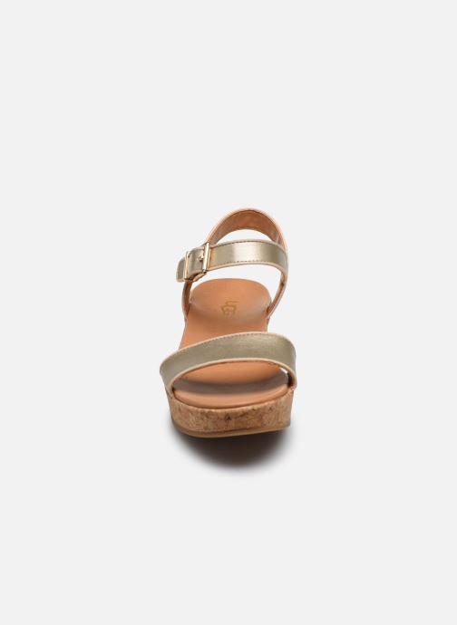 Sandalias UGG K-MILLEY Oro y bronce vista del modelo