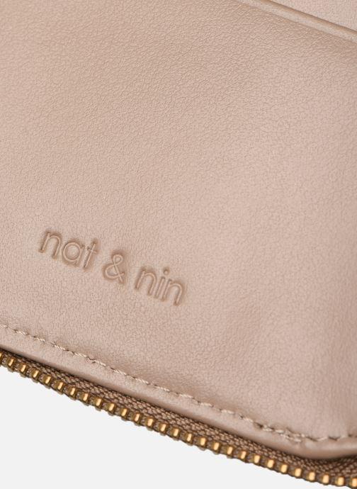 Marroquinería pequeña Nat & Nin Coco Mat Beige vista lateral izquierda
