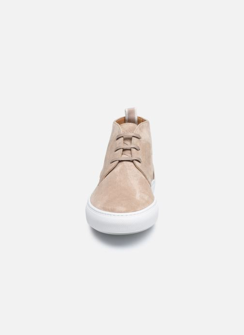 Baskets BOSS MIRAGE desb Beige vue portées chaussures