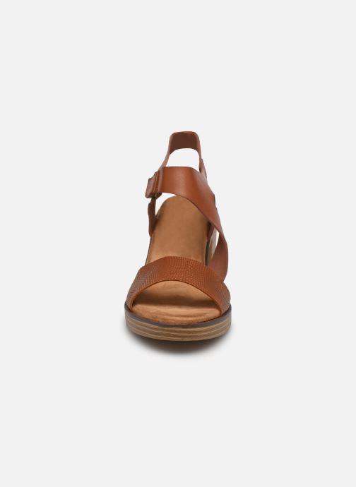 Sandales et nu-pieds Mustang shoes Marcia Marron vue portées chaussures