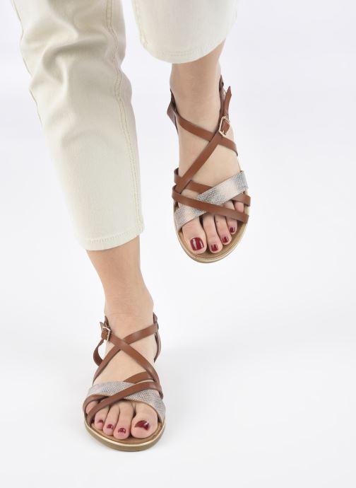 Sandales et nu-pieds Mustang shoes Luane Marron vue bas / vue portée sac