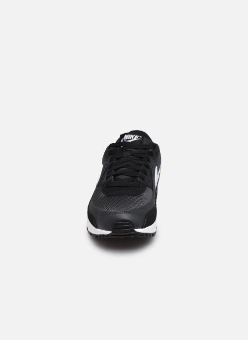 Deportivas Nike AIR MAX 90 M Negro vista del modelo