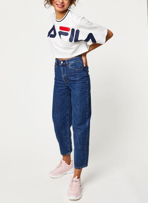 Vêtements FILA Barr Cropped Wide Tee Blanc vue bas / vue portée sac
