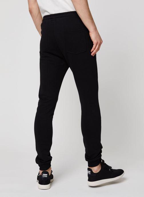Vêtements FILA Edan Sweat Pants Noir vue portées chaussures
