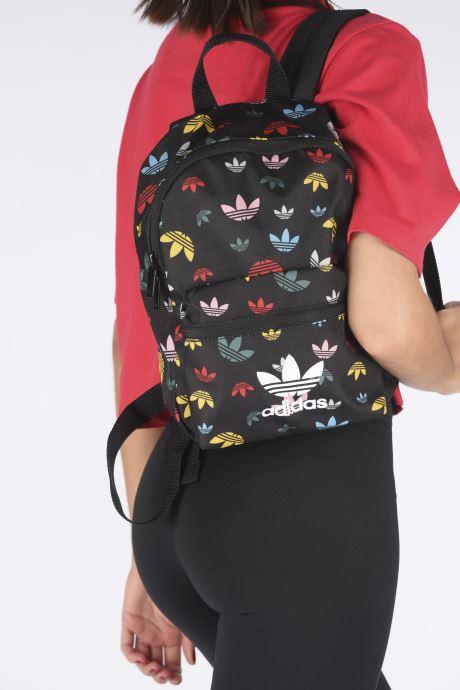 Sacs à dos adidas originals BP INF Multicolore vue bas / vue portée sac