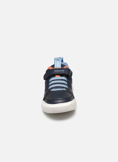 Sneakers Geox J Nettuno Boy C Azzurro modello indossato
