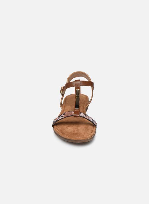 Sandales et nu-pieds Clarks Axelle Ray Marron vue portées chaussures