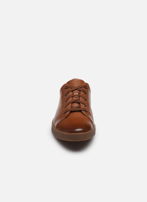 Baskets Clarks Stanway Lace Marron vue portées chaussures