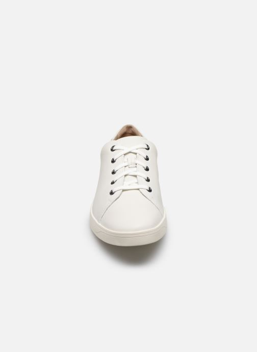 Sneakers Clarks Stanway Lace Bianco modello indossato