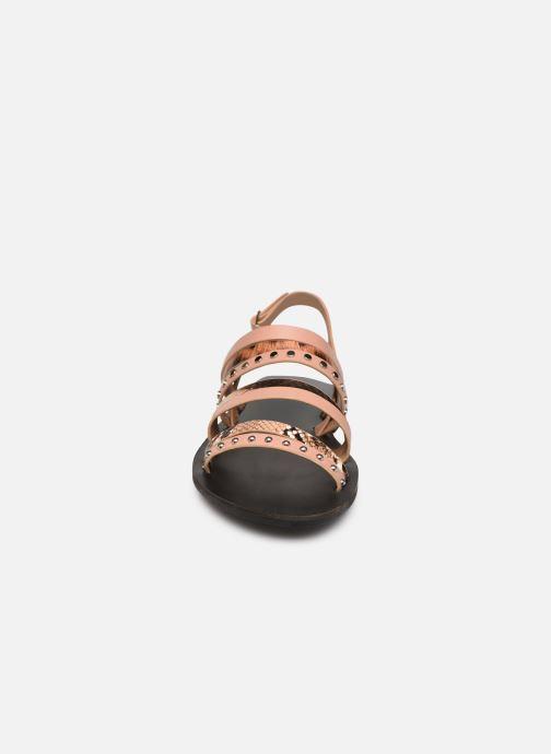 Sandali e scarpe aperte Vanessa Wu SD2082 Rosa modello indossato
