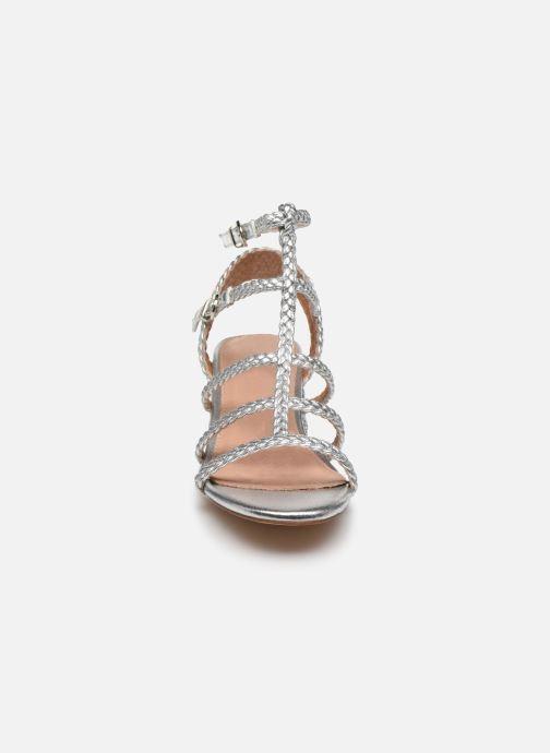 Sandali e scarpe aperte Vanessa Wu SD2081 Argento modello indossato