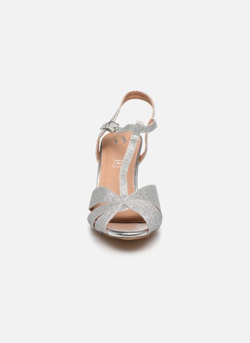 Sandalen Vanessa Wu SD2122 silber schuhe getragen