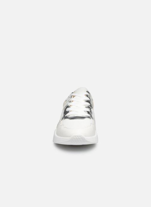 Sneakers Vanessa Wu BK2074 Bianco modello indossato