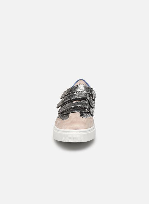 Sneakers Vanessa Wu BK2064 Argento modello indossato