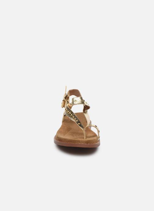 Sandali e scarpe aperte Vanessa Wu SD2139 Oro e bronzo modello indossato
