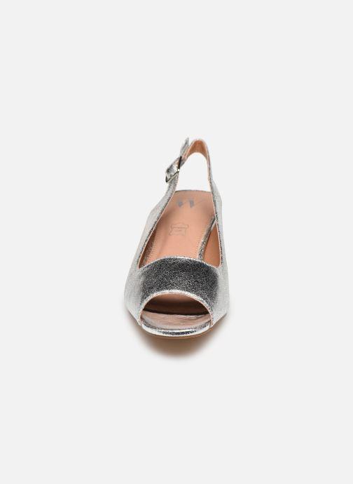 Zapatos de tacón Vanessa Wu SD2114 Plateado vista del modelo