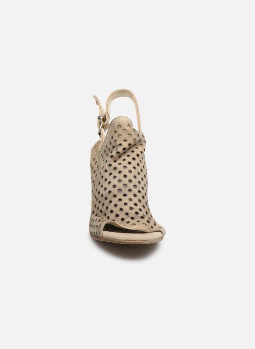 Sandales et nu-pieds Sweet Lemon L.23.ROANE Beige vue portées chaussures