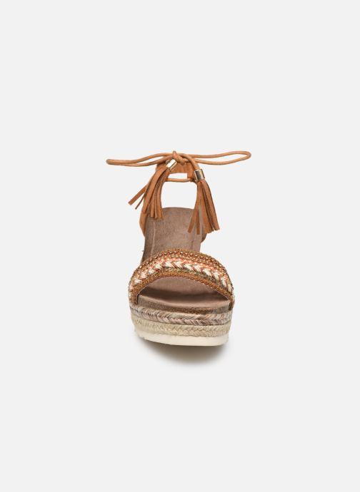 Sandales et nu-pieds Refresh 64086 Marron vue portées chaussures