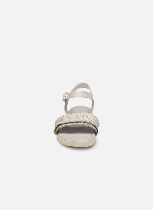 Sandales et nu-pieds Refresh 69748 Blanc vue portées chaussures