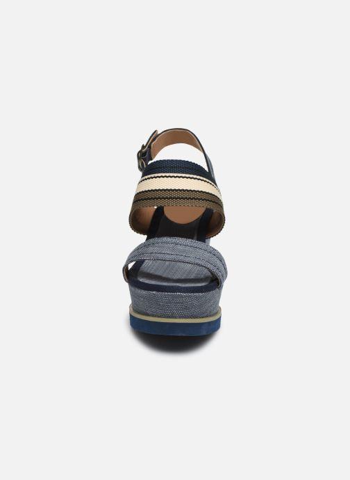 Sandales et nu-pieds Refresh 69909 Bleu vue portées chaussures