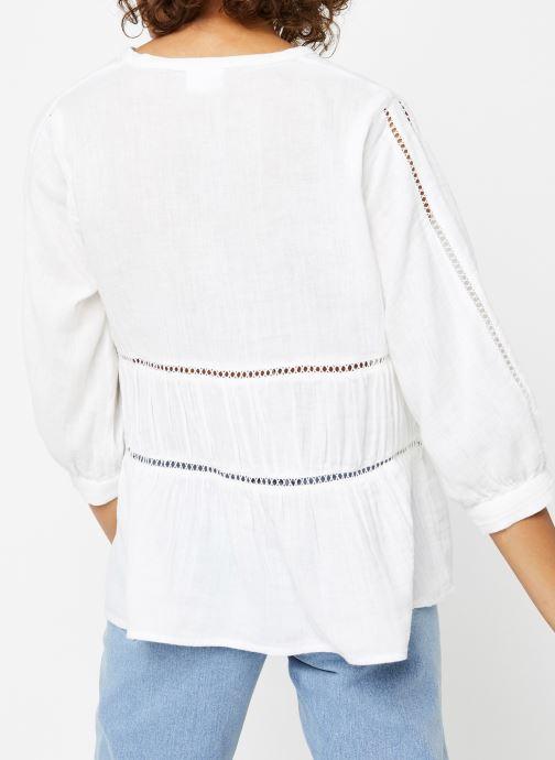 Vêtements Vila Tops Vimadelina Blanc vue portées chaussures