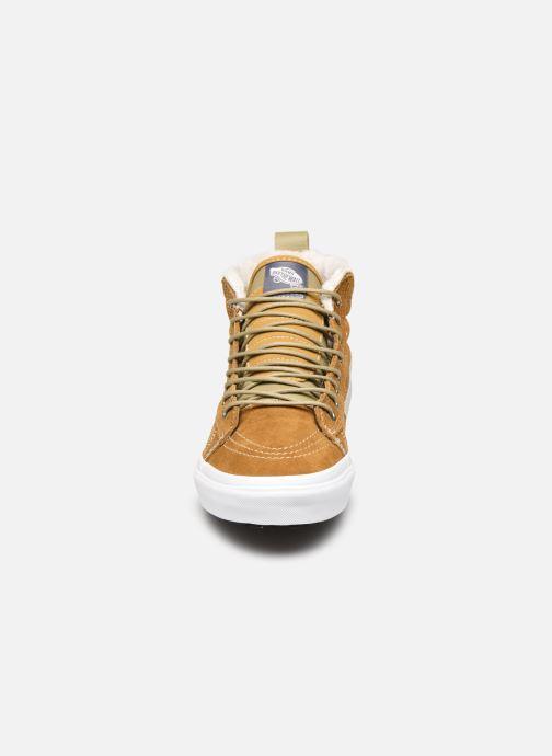 Baskets Vans SK8-Hi MTE V Marron vue portées chaussures