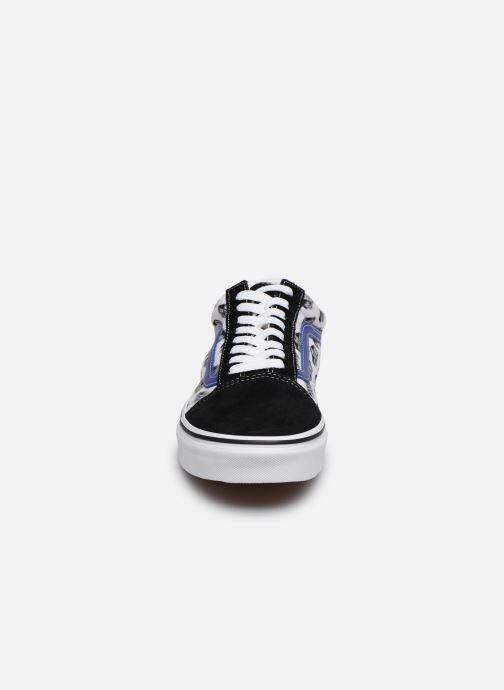 Sneakers Vans Old Skool Vv Nero modello indossato