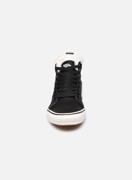 Baskets Vans SK8-Hi W MTE V Noir vue portées chaussures