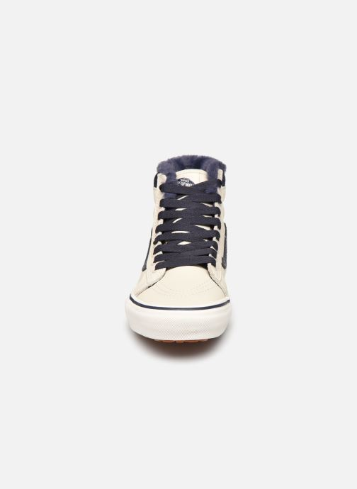 Baskets Vans SK8-Hi W MTE V Beige vue portées chaussures