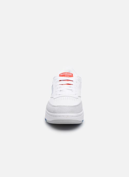 Sneakers Reebok Club C Double W Bianco modello indossato