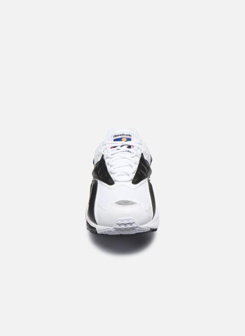 Baskets Reebok Intv 96 Blanc vue portées chaussures