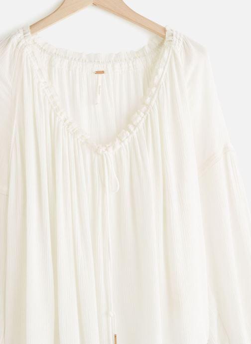 Vêtements Free People BANDA BLOUSE Blanc vue portées chaussures