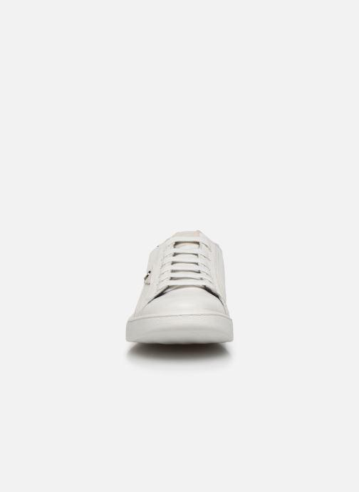 Baskets Base London BUZZ Blanc vue portées chaussures
