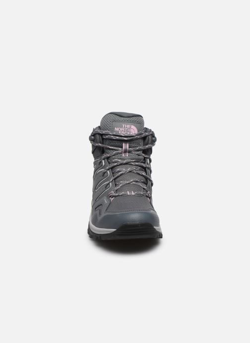 Zapatillas de deporte The North Face Hedgehog Fastpack II Mid Wp Gris vista del modelo