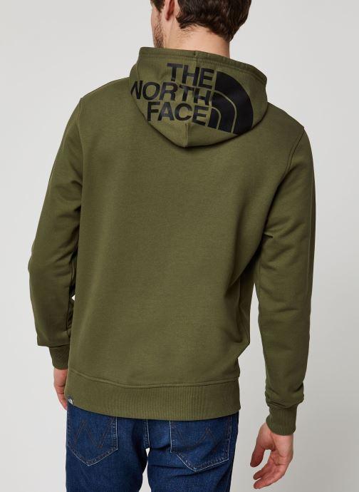 Vêtements The North Face Drew Peak Pullover Light Vert vue portées chaussures
