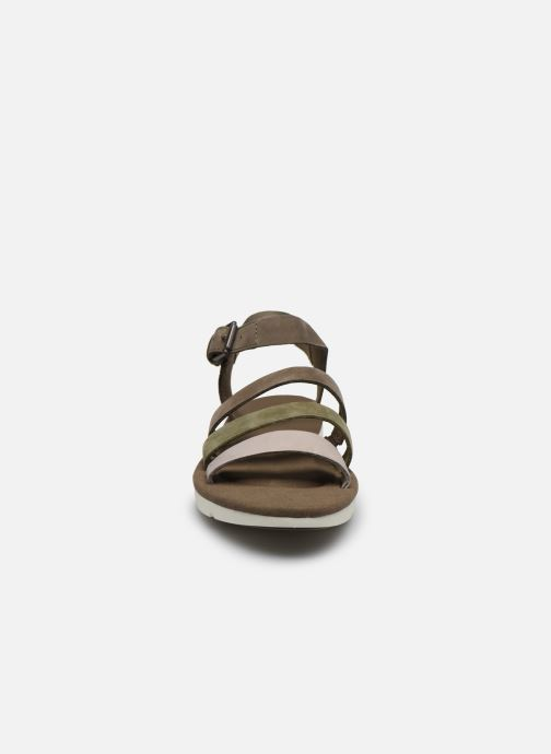 Sandali e scarpe aperte Timberland Lottie Lou 3-Band Sandal Marrone modello indossato