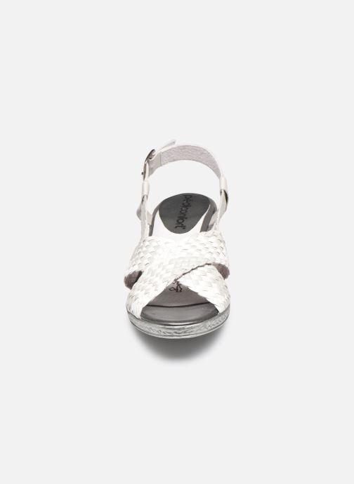 Sandalen Pédiconfort Chloé - Sandales tressées main grande largeur silber schuhe getragen